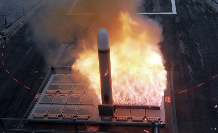 """Запуск ракеты """"Томагавк"""" из установки Mark 41."""