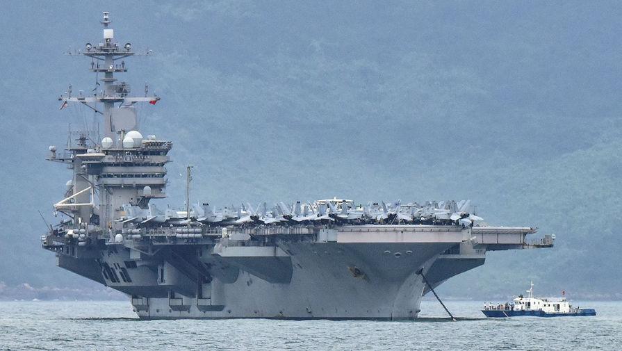 Зараженный авианосец: почему Пентагон не эвакуирует моряков