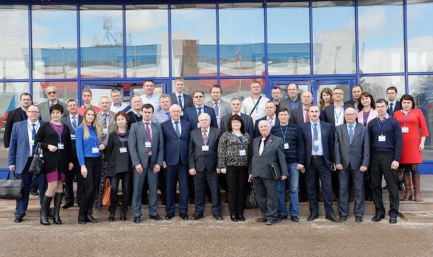Участники заседания «Клуба директоров по качеству» на АО «Арзамасский приборостроительный завод имени П.И. Пландина» (Фото Елены Галкиной).