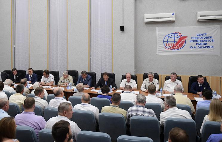 """Заседание госкомиссии по утверждению состава основного экипажа пилотируемого корабля """"Союз МС-05"""" и миссии МКС-52/53 на космодроме Байконур."""