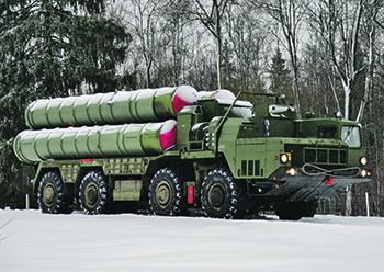 """Зенитная ракетная система С-400 """"Триумф"""" предназначена для поражения средств воздушного нападения. Фото с сайта <a href=""""http://www.mil.ru"""">www.mil.ru</a>"""