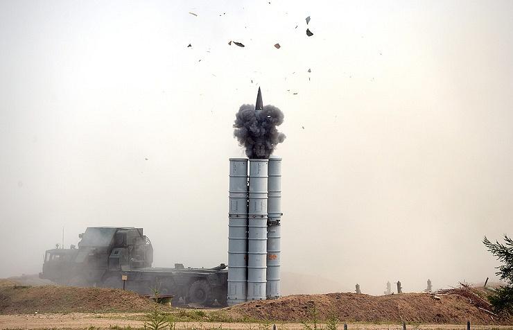 Зенитная ракетная система С-300.