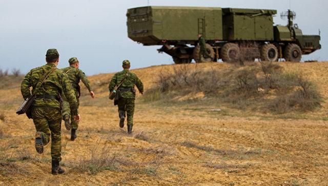 Зенитно-ракетная система С-300 на полигоне Ашулук в Астраханской области.