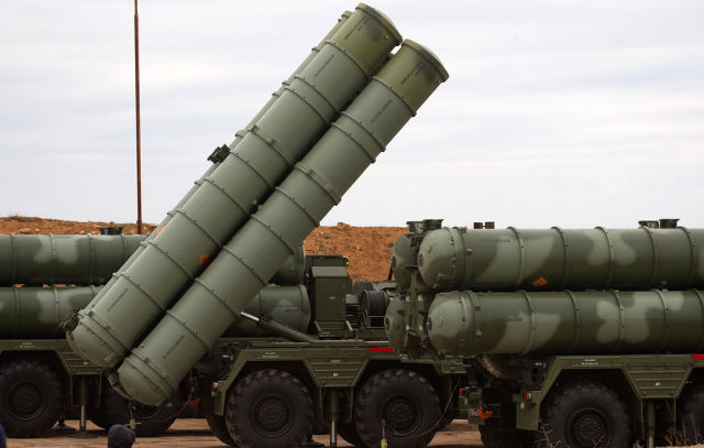 """Зенитно-ракетная система С-400 """"Триумф"""""""