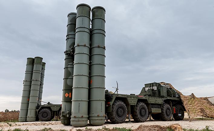 Зенитно-ракетный комплекс С-400 на российской авиабазе Хмеймим, Сирия.
