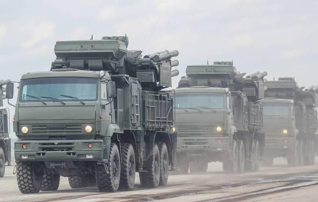 """Зенитные ракетно-пушечные комплексы """"Панцирь-С"""""""