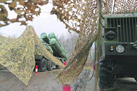Зенитный ракетный комплекс С-400 способен перекрыть воздушное пространство на северо-западе страны. Фото Reuters