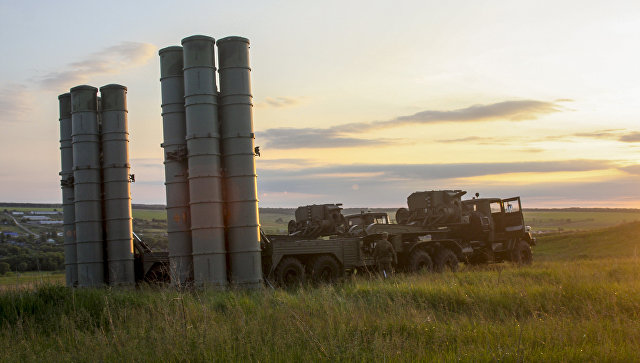 Зенитные ракетные комплексы С-300 Фаворит. Архивное фото.