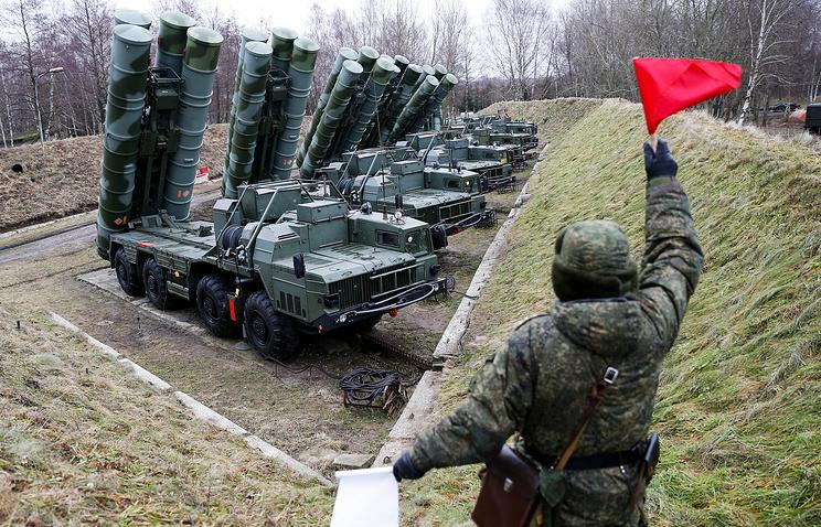 Зенитные ракетные системы С-400.