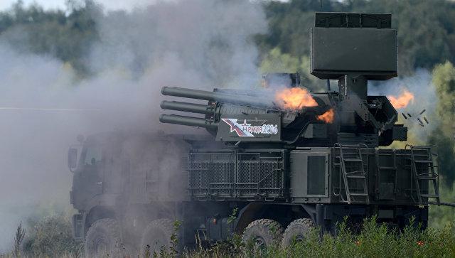 Зенитный ракетно-пушечный комплекс 96К6 Панцирь-С1. Архивное фото.