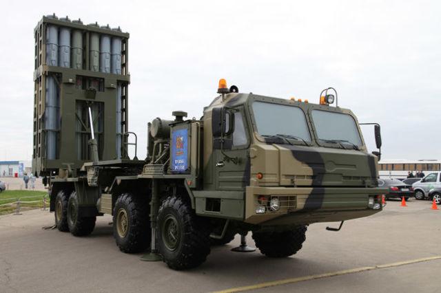 """Зенитный ракетный комплекс С-350 """"Витязь""""."""