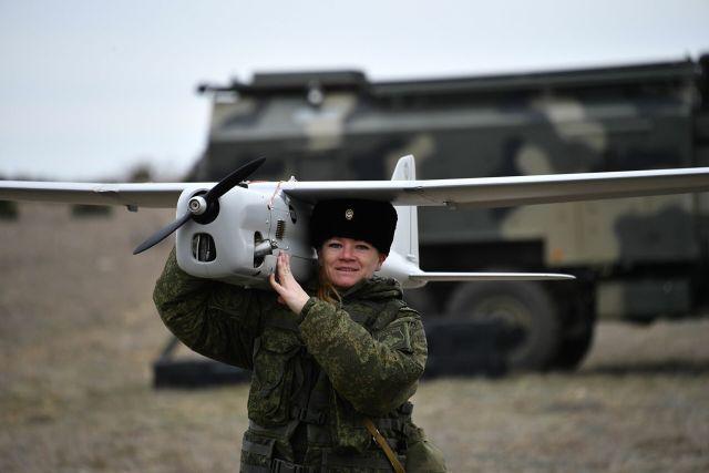 UAVs in Russian Armed Forces: News #2 - Page 8 Zhenskii-boevoi-raschet-po-upravleniyu-bespilotnymi-apparatami-ujerfxkj-1604294041.t