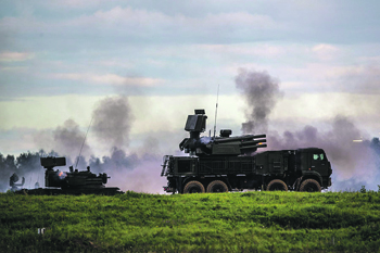 ЗРПК «Панцирь-СМ» – одна из самых эффективных систем ближнего противовоздушного боя. Фото с сайта www.mil.ru